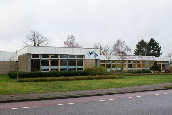 Het gebouw van basisschool De Driesprong aan de Beukenlaan in Eibergen.