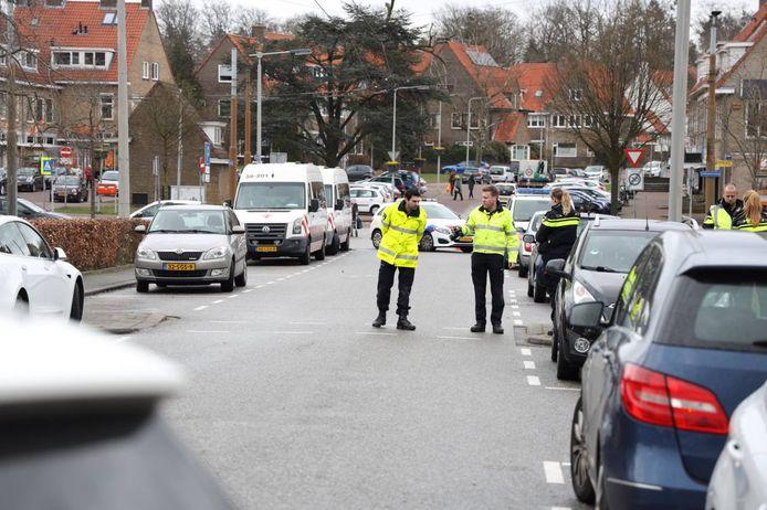 Een kind is zwaar gewond geraakt bij een ongeluk op de Beethovenlaan in Arnhem.