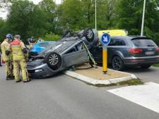 Ongelukken blijven gebeuren op kruising Schukkinkweg in Enschede, gemeente overweegt tijdelijke afsluiting