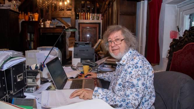 Dokter De Cock schenkt beeld voor Kasteeldreef en schrijft publicatie over zijn dreef
