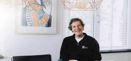 Frank Verhallen stopt met programmeren cabaret: 'De poëzie is terug in mijn leven gekomen'