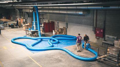 Gedetineerden maken touw van 250 kilo voor kunstinstallatie
