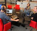 Kevin Goes, Charlene Heezen en Gudo Tienhooven tijdens de opnames van Bingewatchers, de podcast over series.