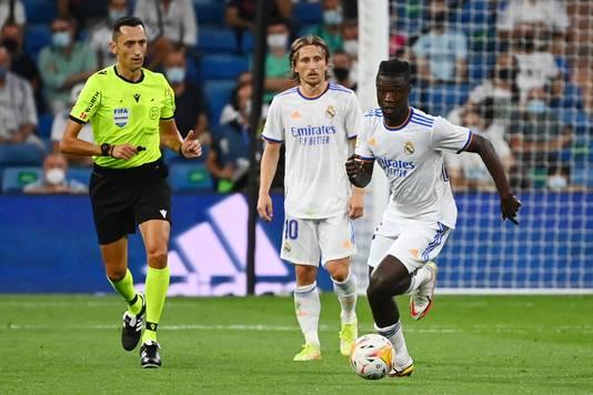 Eduardo Camavinga in actie bij zijn debuut voor Real Madrid.
