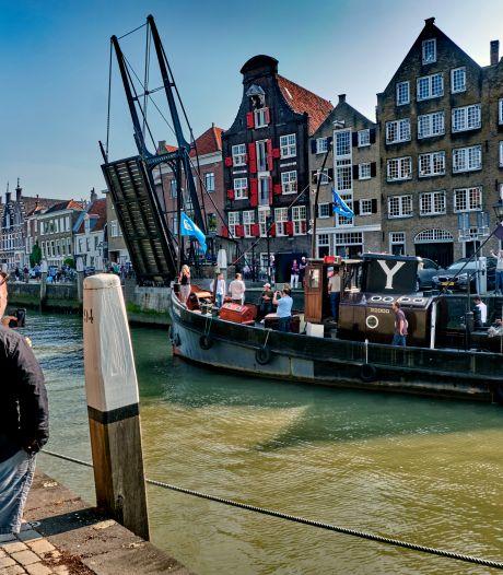 Na 65 jaar vertrekt de Willem-Marie uit de Dordtse Wolwevershaven: 'Het zal een heel gemis zijn'