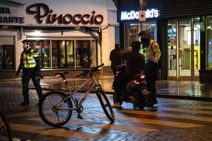 Het centrum van Nijmegen was gisteravond afgegrendeld om ongeregeldheden te voorkomen.