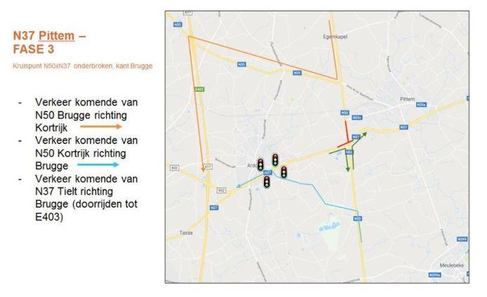 Dit plannetje toont de omleidingen tijdens de werken aan de noordkant van het kruispunt.
