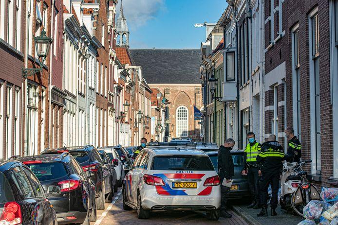 De politie sloot de Boven Nieuwstraat af voor het onderzoek