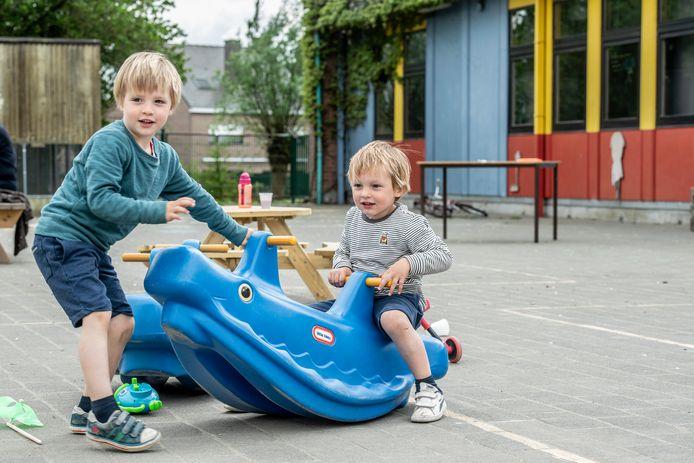 Ravotten op de speelplaats van Freinetschool De Bonte Specht