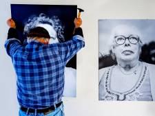 Enschedese Rick fotografeert bewoners Aveleijn 'Dat fotograferen was een verzetje voor de bewoners'