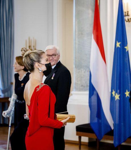 Sylvie Meis begroet Willem-Alexander en Máxima bij staatsbanket in Duitsland