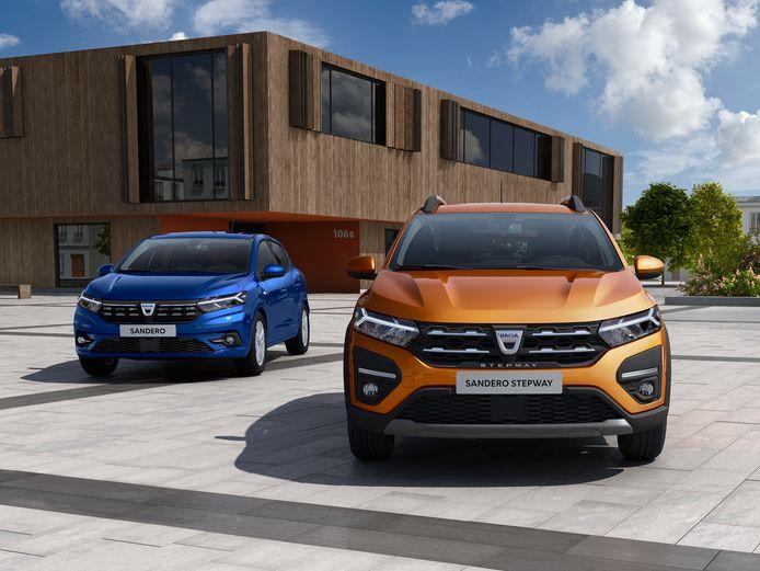 De nieuwe Dacia Sandero (links) en Sandero Stepway zijn ingrijpend vernieuwd