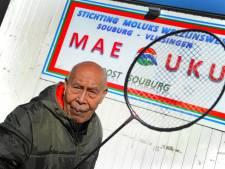 Oom Piet (95) mept nog steeds een aardig shuttletje