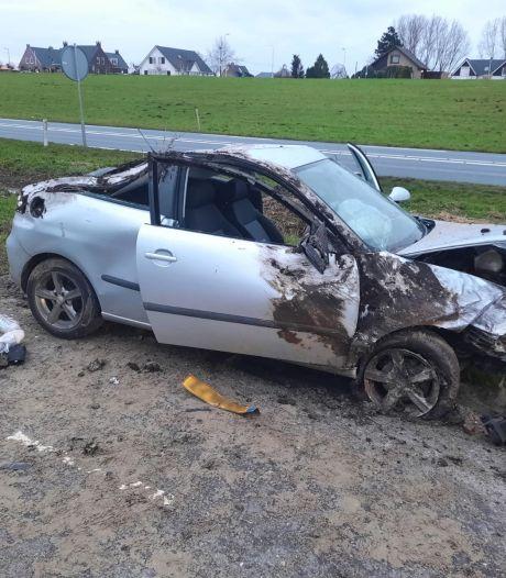 Illegaal vuurwerk aangetroffen in gecrashte auto