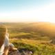 Waarom deze blote foto op de top van een berg voor wereldwijde ophef zorgt