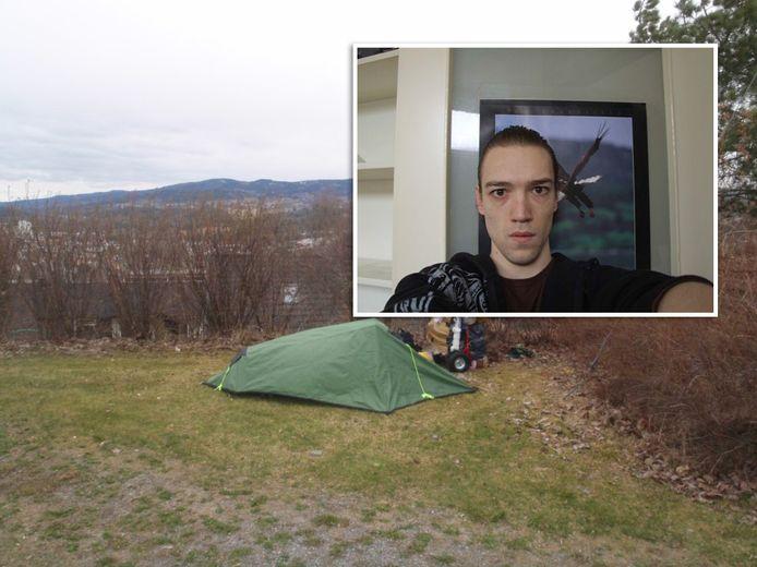 Rafael en zijn tent, die hij achterliet in Noorwegen.