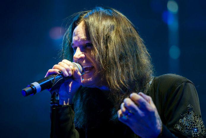 Ozzy Osbourne is een van die ouderwetse rocksterren die maar van geen ophouden wil weten. In gesprek met Rolling Stone zegt de voormalig Black Sabbath-zanger dat hij ook pas met pensioen gaat als hij er niet meer is.