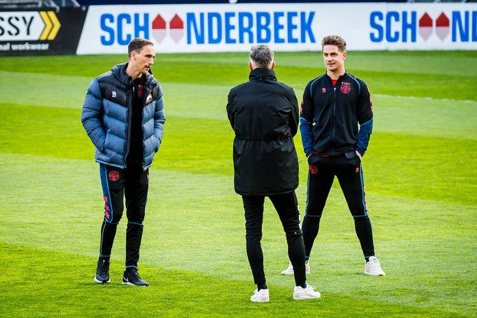 Freek Heerkens (links) en Jordens Peters: in trainingspak in plaats van in wedstrijdtenue.