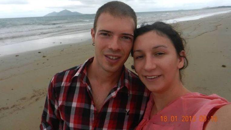 Een jaar geleden is dit stel hun camera kwijtgeraakt. Nadat deze is aangespoeld op een Australisch eiland is de vraag: Wie zijn deze vakantiegangers? Beeld Facebook