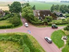 Wat is er mis met dit kruispunt in Wanneperveen? 18 ongelukken in 11 jaar: 7 gewonden en 1 dode