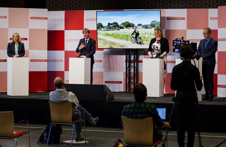Fractievoorzitters Suzanne Otters-Bruijnen (VVD), Eric de bie (FvD), Ankie de Hoon (CDA) en Wil van Pinxteren (Lokaal Brabant) tijdens de presentatie van het bestuursakkoord van de provinciale statenfracties. Beeld ANP