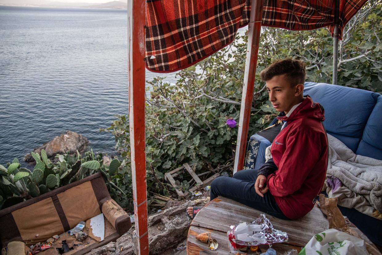 Ayoub Jara (16) kreeg flinke klappen van de Guardia Civil, zegt hij. Beeld César Dezfuli