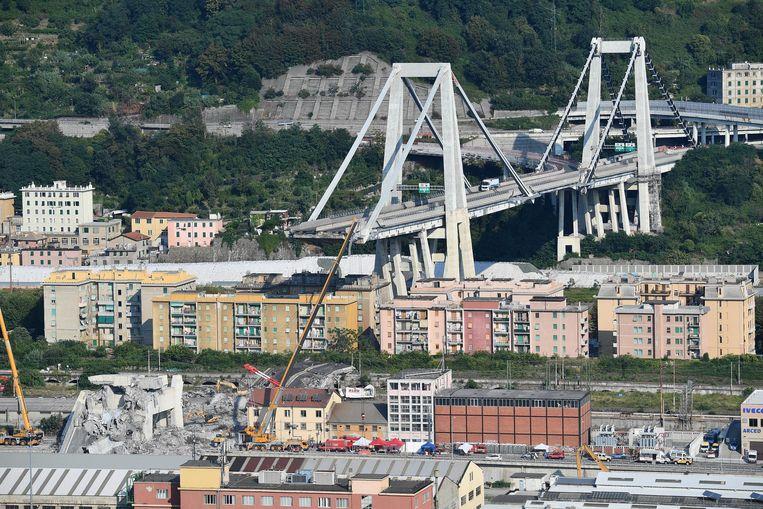 Uit onderzoek van het Openbaar Ministerie in Genua bleek dat de brug zeer matig werd onderhouden.  Beeld EPA