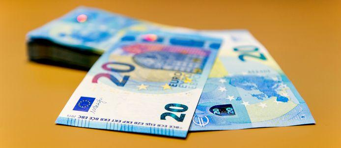 De twintiger gaf valse biljetten van 20 euro uit.