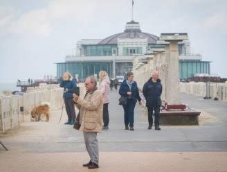 """Afscheid van een icoon: promenade van Blankenbergse Pier gaat morgen dicht. """"Hier geldt ongeschreven wet dat je iedereen kan aanklampen voor een praatje"""""""