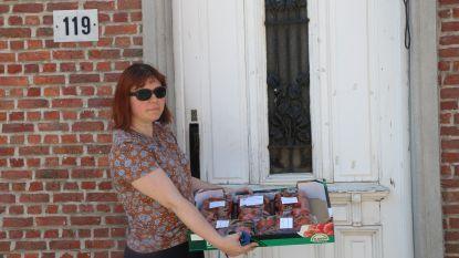 """Kwetsbare gezinnen in Putte ontvangen tomaten: """"De solidariteit is groot"""""""