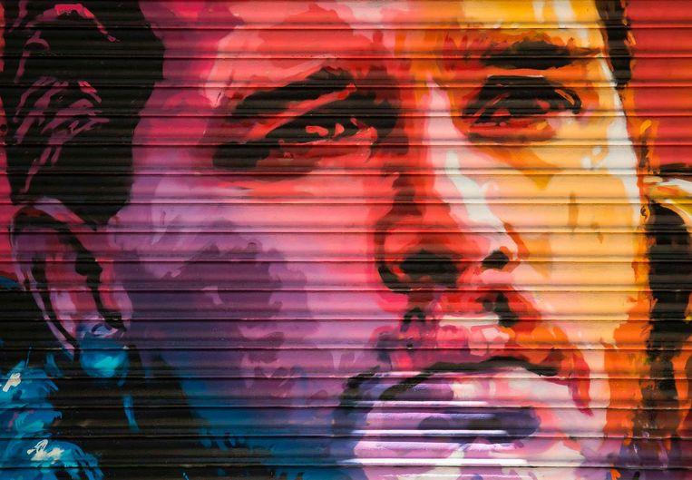 'Jon Snow' uit Game of Thrones, vereeuwigd op een garagedeur in Barcelona. Beeld epa