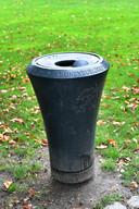 Een vuilnisbak in het Kronenburgerpark.