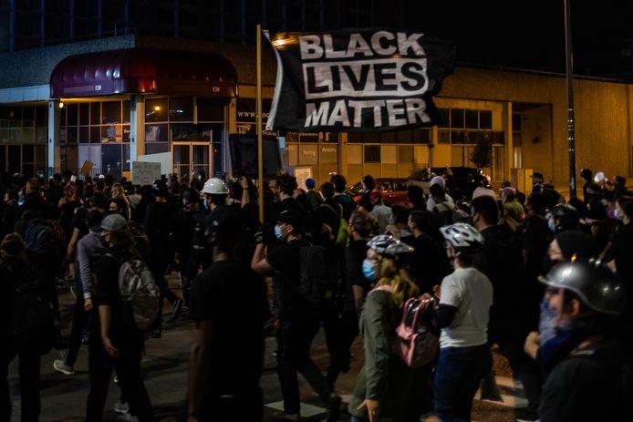 In Rochester werd gisteren voor de zesde avond op rij geprotesteerd, nadat videobeelden van de arrestatie van Daniel Prude openbaar gemaakt werden.