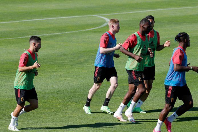 De Bruyne traint voor het eerst met de groep mee.
