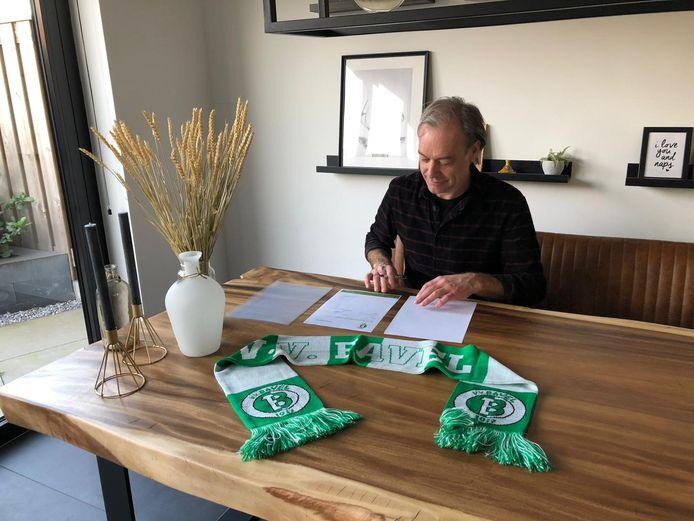 Coen Rijppaert is ook volgend seizoen trainer van vv Bavel.