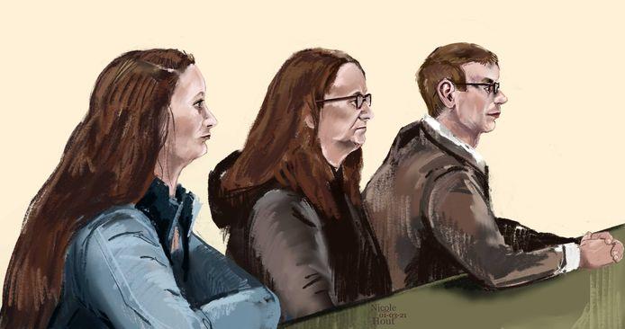 (v.l.n.r.) Grietje R. (20) wordt er met haar moeder Truitje R. en vriendje Mark H. door het OM van verdacht een plan te hebben gemaakt om haar stiefvader Mike Goedhart te vermoorden.