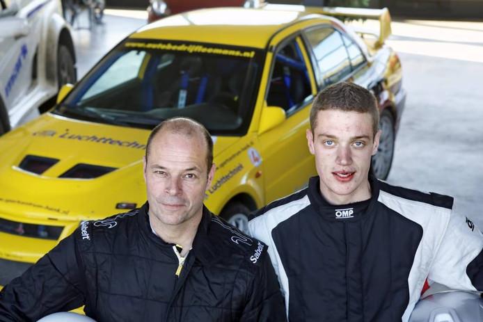 Ronald Leemans en zoon Roald rijden de GTC Rally. Roald's auto ontbreekt op de foto, die lag in de sloot. foto Johan Wouters/Pix4Profs