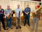 'Rooms-rooie orkest' huldigt 5 jubilarissen die 60 jaar lid zijn en nog steeds spelen: 'Wij zijn de krasse knarren van KSW'
