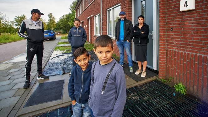Deze Roma-familie verruilde wagen voor een rijtjeshuis: 'Best mooi, maar muren komen soms op me af'