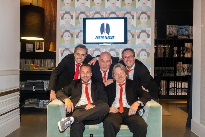 De vijf mannen van Partie Plezier.