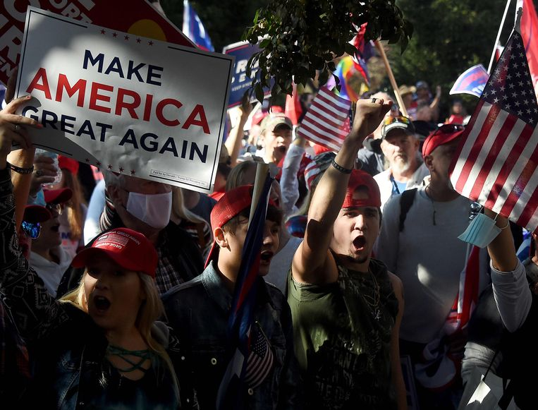 Aanhangers van president Donald Trump zaterdag in Washington. Beeld AFP