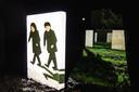 De theatrale audiotour is ontwikkeld door Stichting Laudio, die eerder programma's maakte voor Duitse en Amerikaanse militaire begraafplaatsen.