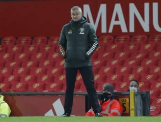 """Solskjaer denkt dat Man United op Old Trafford minder presteerde door de rode tribunes: """"We zagen elkaar niet goed"""""""