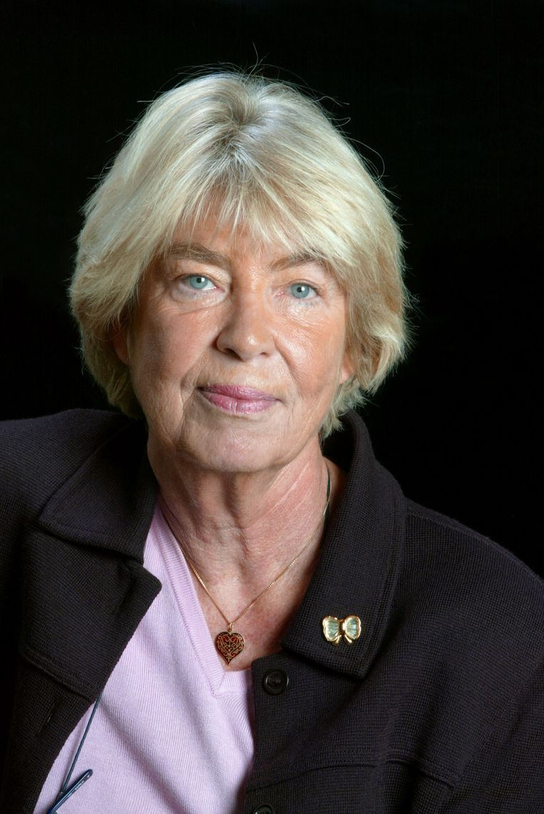 Évelyne Pisier, moeder van de tweeling, was de eerste gepromoveerde juriste in Frankrijk. Beeld AFP