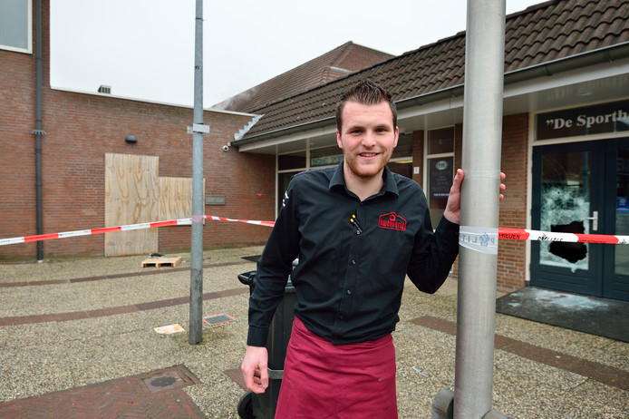 Foto Pim Mul 11012018 Bodegraven. Daan Bijl is bedrijfsleider van de Kwalitaria in Bodegraven. Daar is de pinautomaat opgeblazen.