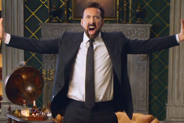 Nicolas Cage gaat bij momenten episch uit z'n dak. Beeld Netflix