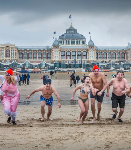 LEES TERUG | Van Zanen wil niet van 'rustige jaarwisseling' spreken en tientallen bikkels gaan toch ijskoude zee in