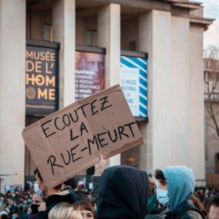 46-arrestaties-bij-franse-protesten-tegen-wetswijziging