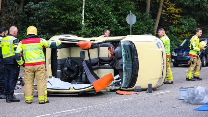 Loenenseweg in Beekbergen afgesloten na crash, meerdere gewonden