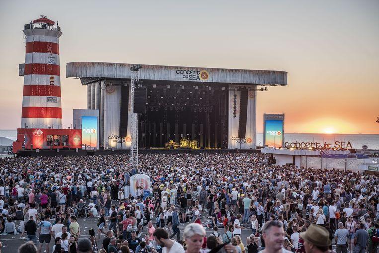 De dertiende editie van festival Concert at Sea op de Brouwersdam in Zeeland, in 2018. Beeld ANP Kippa